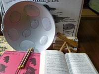 助成金を活用した活動備品の購入(楽器、楽譜)